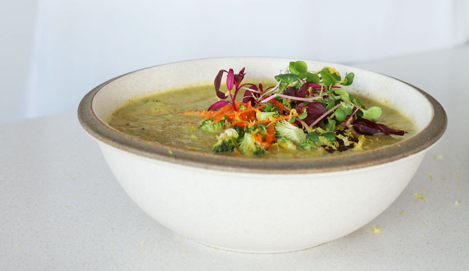 Vegan Cheesy Broccoli Soup
