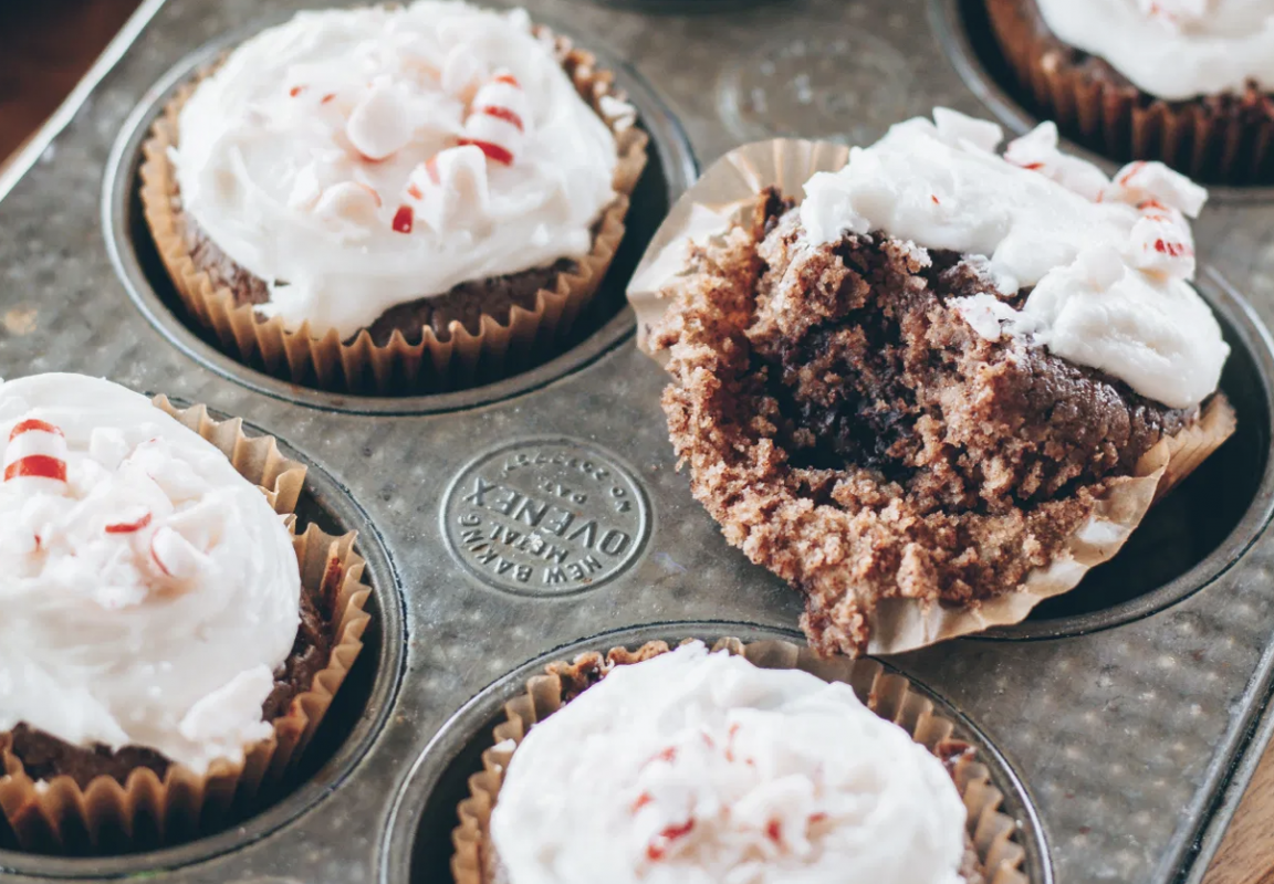 Cupcakes au chocolat et à la menthe poivrée vegan