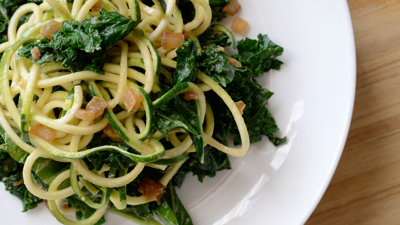 Creamy kale and zucchini noodles
