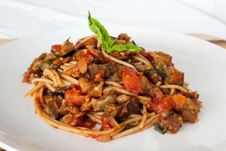 Vegan Pasta alla Norma – Eggplant Tomato Pasta