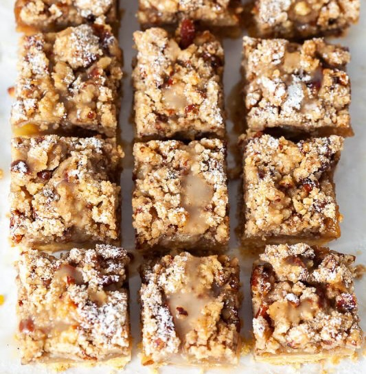 Vegan Salted Caramel Apple Crumb Bars