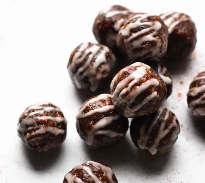 Vegan Gingerbread Date Bites