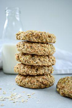 Chunky Vegan Oat Cookies
