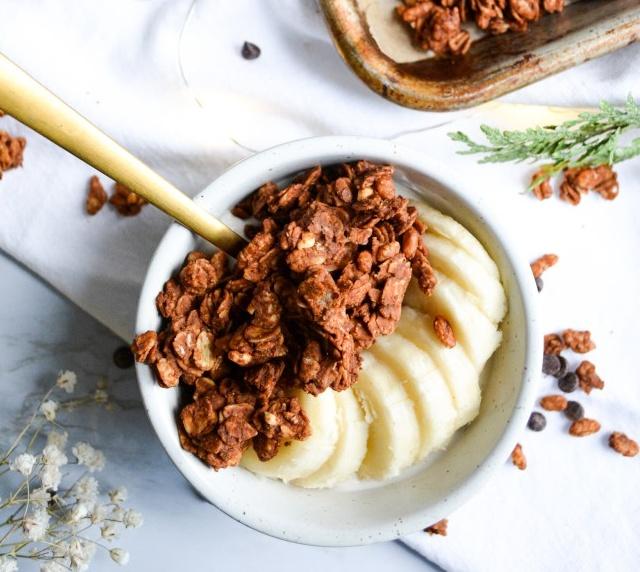Vegan Peanut Butter Cup Granola