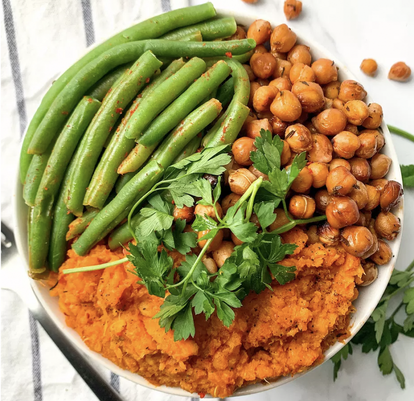 Vegan bowl with smoked sweet potato and green beans