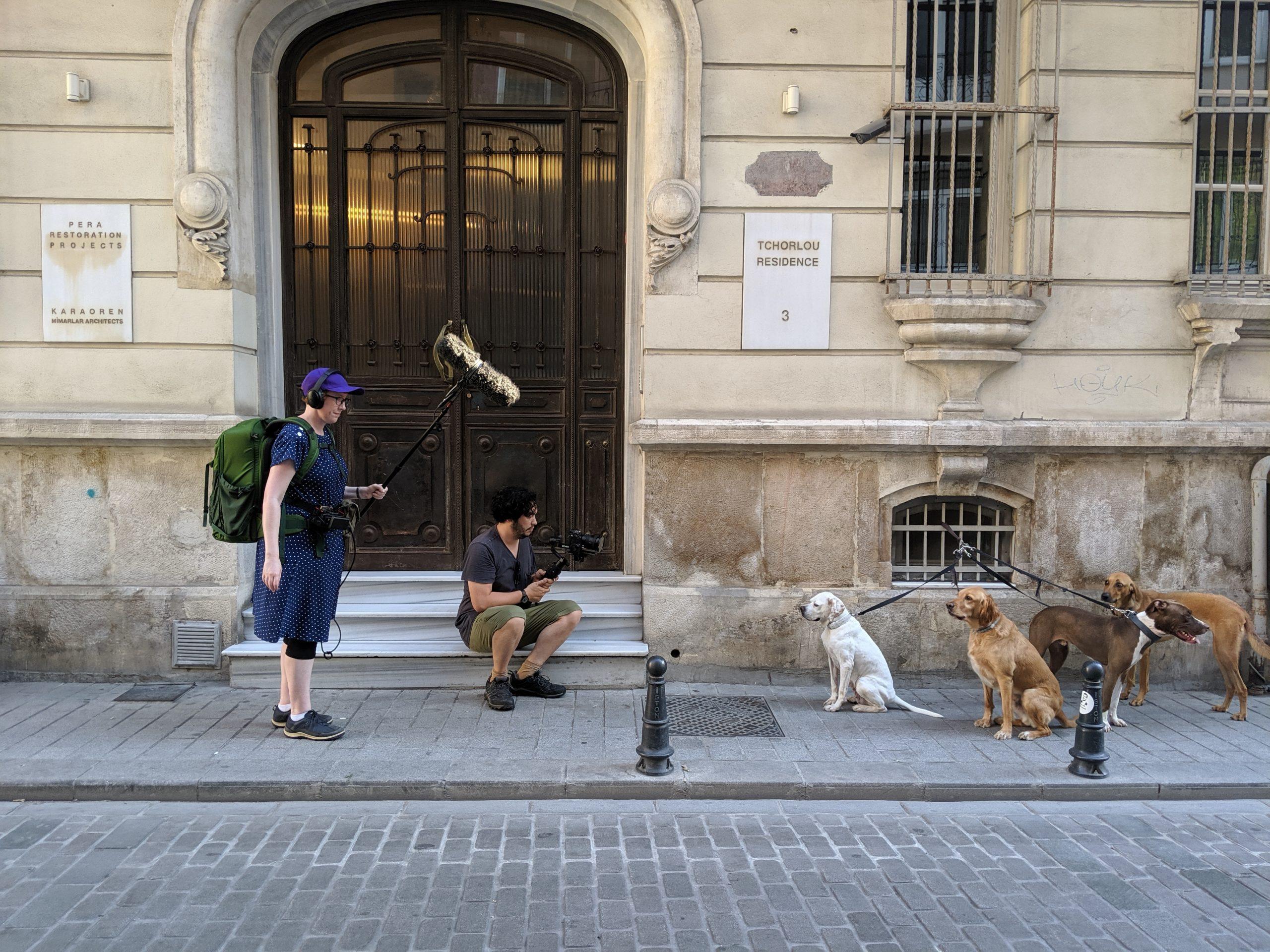 The filmmakers Rose Tucker and Matthew Salleh filming in Istanbul (photo by Sara Merih Ertas)