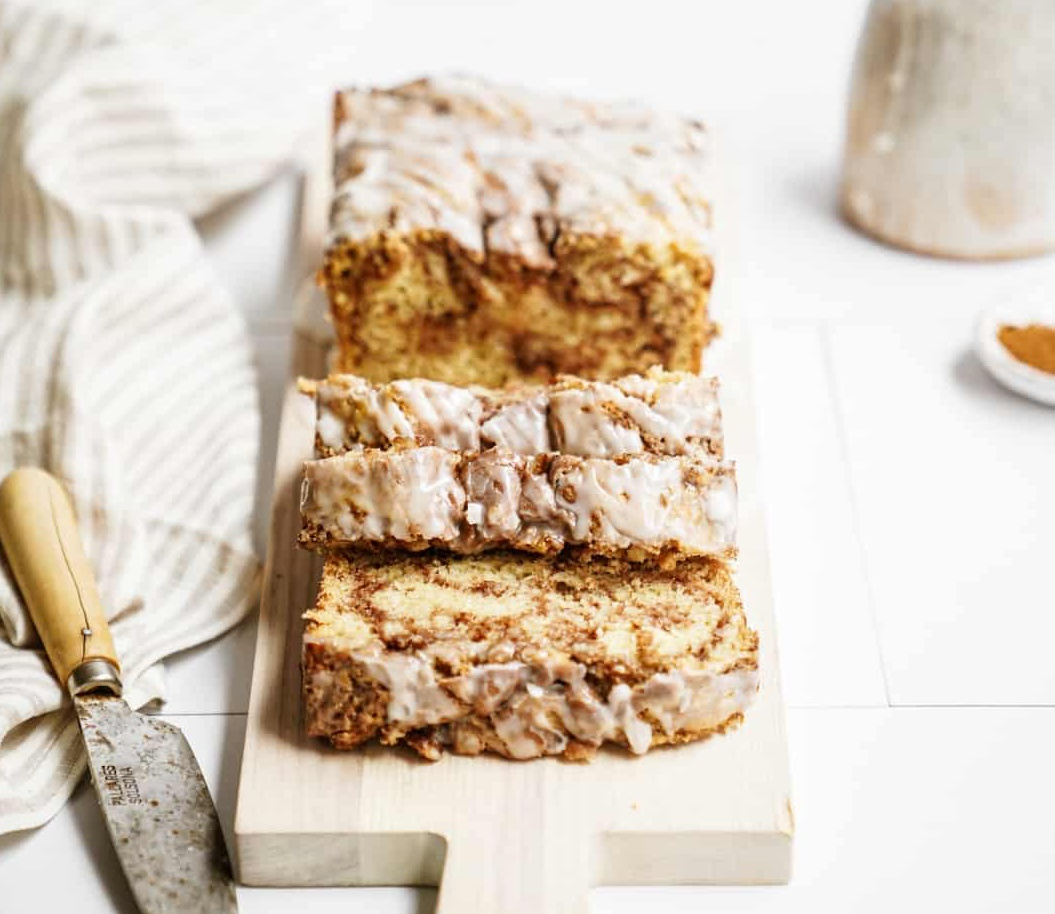 Vegan Drizzled Cinnamon Roll Bread