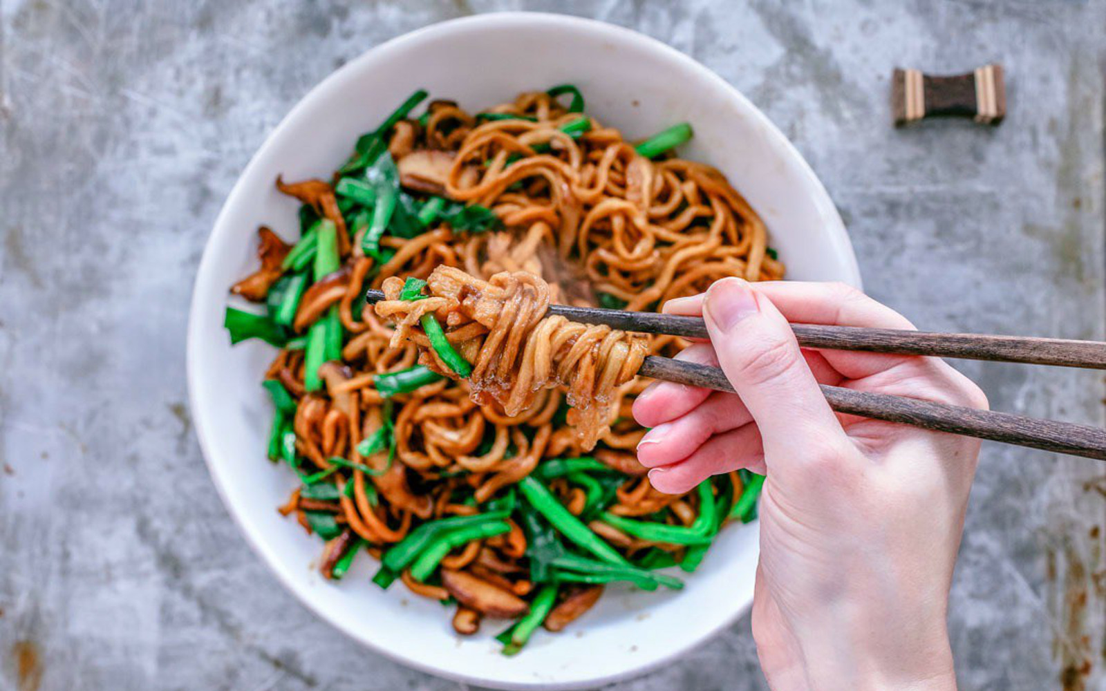 Yi Mein: Chinese Long Life Noodles