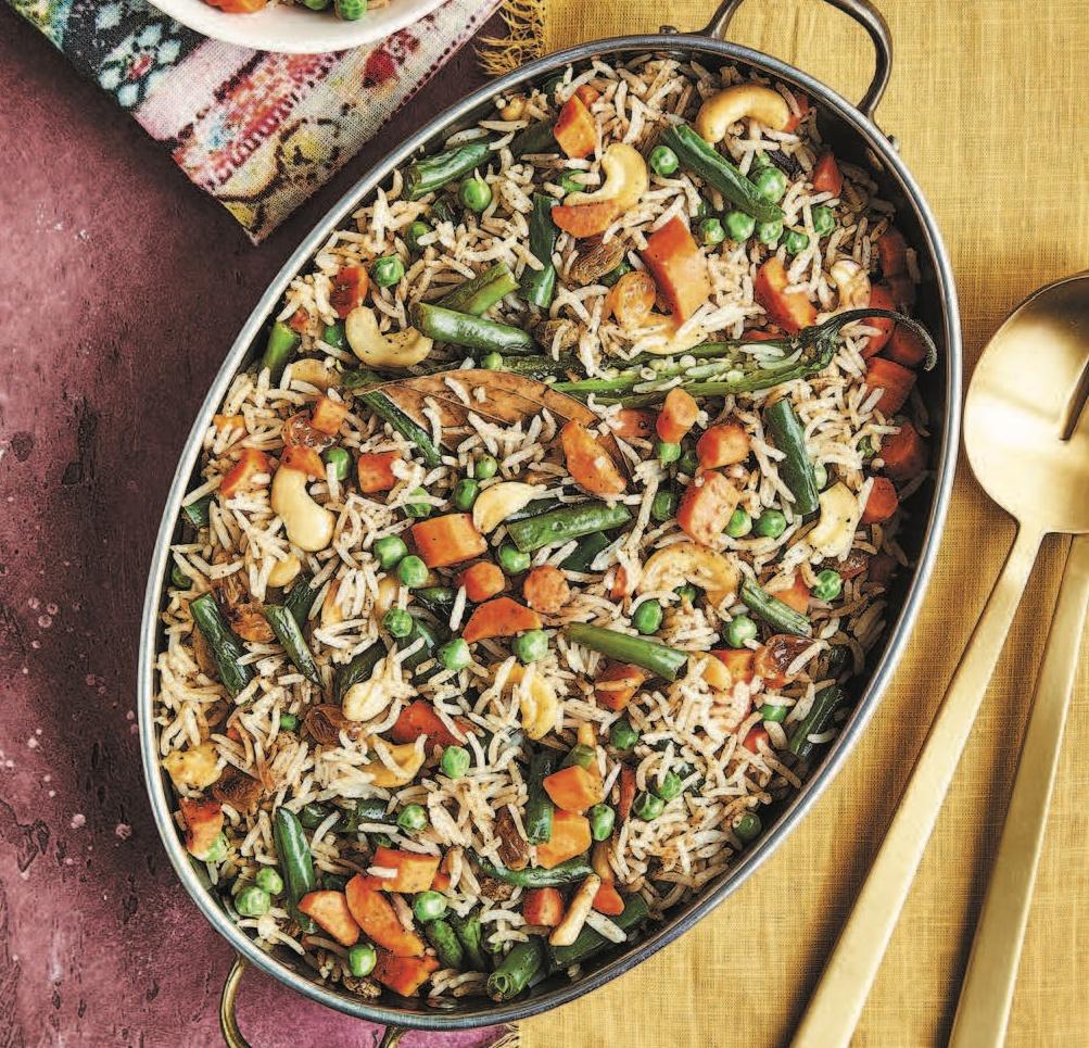 Biye Barir Pulao (Bengali Vegetable Pulao) [Vegan]